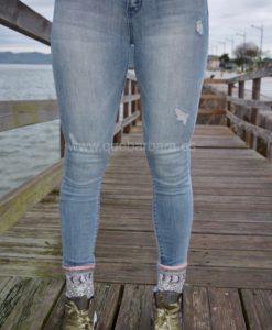 jeans bajo bordado que barbara