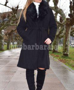 abrigo negro elegante que barbara
