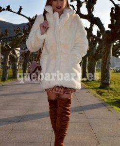 abrigo pelo blanco que barbara