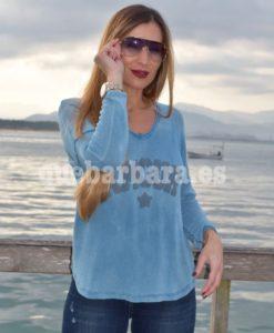 camiseta azul que barbara
