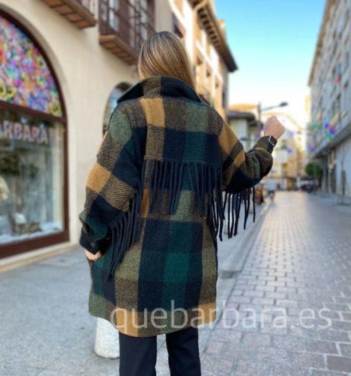 abrigo flecos que barbara