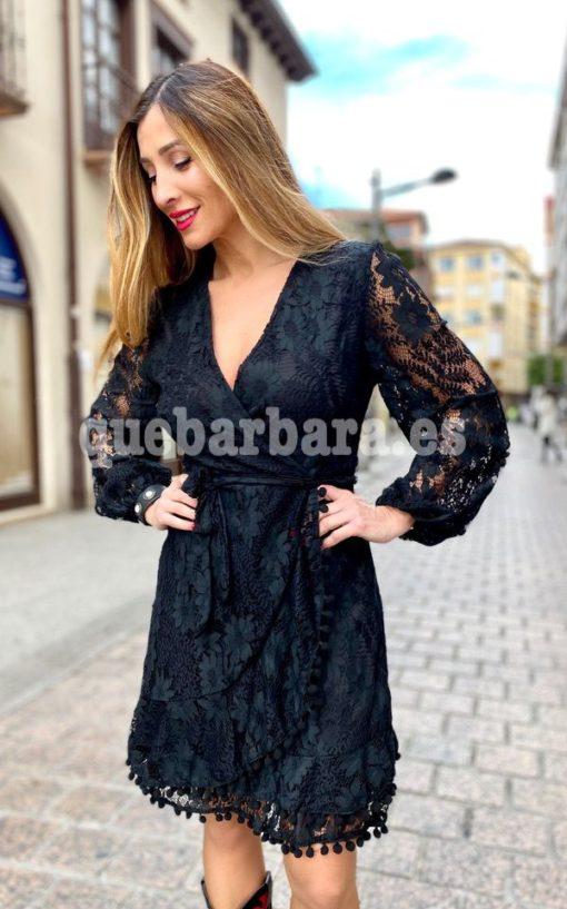vestido encaje negro que barbara