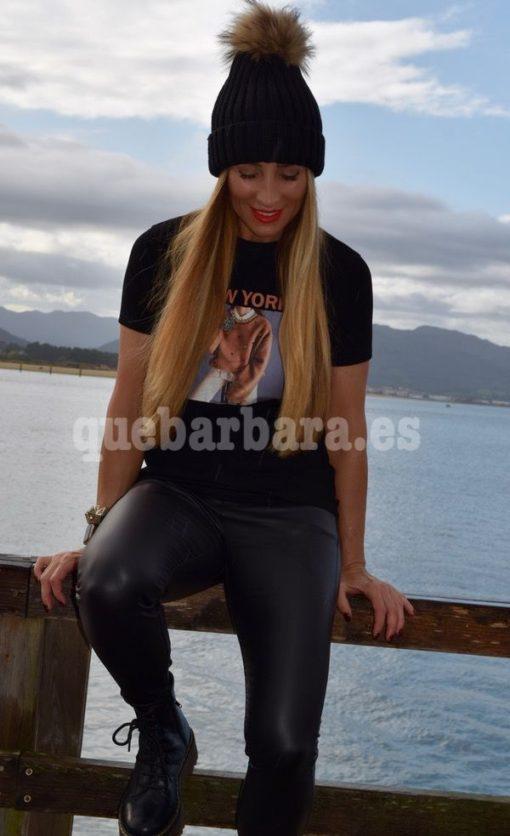 camiseta negra que barbara